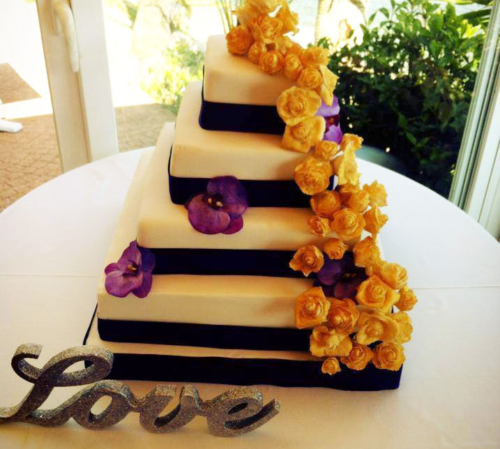 Decorative Cakes by Lou