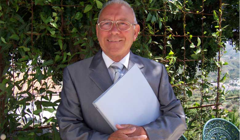 Bryan Stapley – Senior Humanist Celebrant